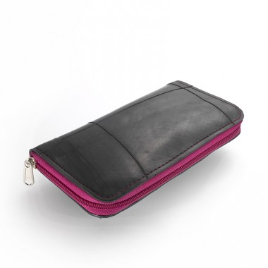 Vicky wallet in recycled inner tube